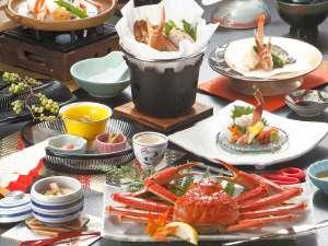 出雲神々 縁結びの宿 紺家:鍋に天婦羅に陶板焼きに…蟹DX会席は最大8品の蟹料理が楽しめます。