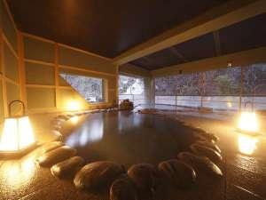 長栄館:【女子露天風呂】 女性露天風呂は男性露天風呂よりも大きく仕上がっております。