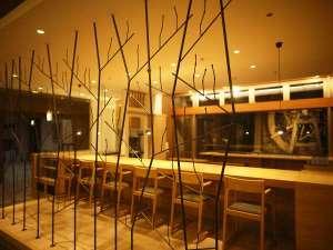 """長栄館:1Fカフェスペース""""梅の木"""" 皆様の心のゆとりにリセットしていただく事を願いまして命名しております。"""