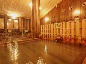 日本の山岳温泉リゾート 新玉川温泉:『大浴場・源泉100%』PH1.2という塩酸が主成分の強酸性の泉質となっております。