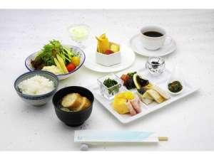 ホテルニューグランヴィア:和食になります。一新記念として、南三陸直送のパンダ笹をお召し上がりいただけます。