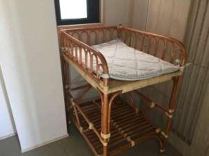 12月オープン。「薫 the fu-ro」ベビーベッド。こちらのお風呂は床が畳なのでお子様にも安心。
