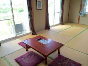 九十九里浜 ペンション&民宿 太陽:ファミリータイプの12畳部屋です☆彡