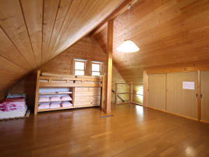 ぬかびら温泉郷コテージ プライマルステージ:*【部屋】2階部分に就寝スペースがございます。