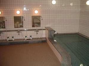 札幌国際ユースホステル:ゆっくりとくつろげる大浴場。午後4時~翌朝8時までご利用いただけます。