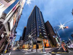 アパホテル〈東新宿 歌舞伎町タワー〉2020年11月6日開業の写真