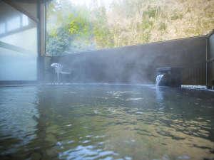 宮島温泉 滝乃荘:■露天風呂■しっとりした質感が好評の天然【宮島温泉】を心ゆくまで。