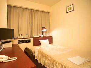 富士国際ホテル:☆シングル(約13㎡・長さ1m90㎝×幅1m04㎝のベッドです。)