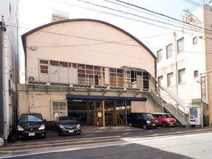 富士国際ホテル:駐車場外観