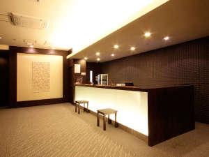 ホテルウィングインターナショナル新宿:*【ロビー】フロントはこちら♪お気軽にお立ち寄り下さい。