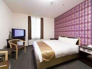 ホテルウィングインターナショナル新宿:【デラックスダブルイメージ】ベット幅160センチのキングサイズ。1~2名様までご利用頂けます。