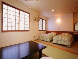 ■4名定員和洋室■2名から4名まで宿泊可能♪グループや家族でわいわいどうぞ♪