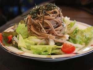 貸切露天風呂とグルメプラン:蒜山蕎麦のサラダ