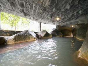 奥飛騨ガーデンホテル焼岳(やけだけ):洞窟風呂「瀑泉洞」