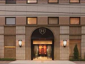 ロイヤルパークホテル ザ 福岡:■ホテル外観■一歩足を踏み入れると、博多祇園山笠のモニュメントがお出迎え♪