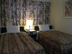 シティホテル甲隆閣:ツインルームごゆっくりお休みください。