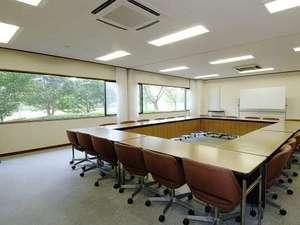 鶴舞ムーンレイクホテル:会議室もご用意しております。研修でのご利用もできます。