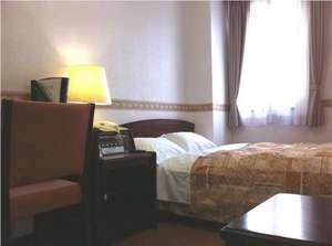 アムズホテル:お部屋は14~19平米≪シングルルーム≫セミダブルベットでゆっくり就寝♪