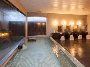 ビジネスホテル 伊勢崎平成イン:男性大浴場(2階)ご利用時間15:00~24:30、5:30~10:00