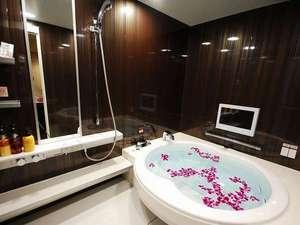 ホテルバリタワー大阪天王寺:■バスルーム:ロイヤル・プラチナスイートルームにはTV付きのバスルーム♪