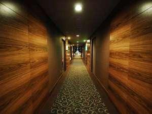 ■客室:廊下もバリテイストでリゾート気分を味わって頂けます♪