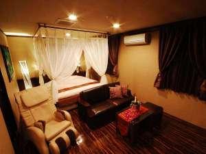■客室:少し優雅に♪デラックスキング(32平米)ベッド幅はなんと180cmキングベッド!