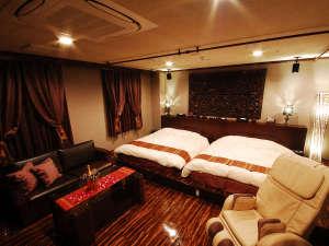 ■客室:ロイヤルスイート(42平米)はカップル、女子会、ファミリーに大人気です♪