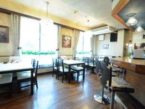 温泉ビジネスホテル富喜屋:◆ホテル2階。喫茶店では本格的なコーヒーはもちろんモーニングもお召し上がりになれます。