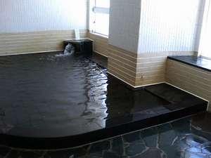鳥海山四合目雲上の宿 大平山荘:鳥海山の雪解け水を沸かしたお風呂に入れます