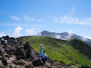 鳥海山四合目雲上の宿 大平山荘:東北一の独立峰 鳥海山の登山に最適の宿