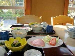 岩風呂とおふくろの手料理の宿 みかみ