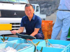 【料理民宿 松林】 夕食評価5.0!朝どれ新鮮★海幸の宿:「うまいもんを食べてもらうんや!」旬の旨みを余すことなく!社長自ら厳選した新鮮な海の幸をたっぷりと♪