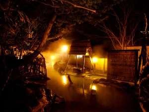 安達屋旅館:大気の湯 夜景