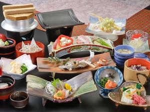 奥天竜 不動温泉 佐和屋:信州牛の瓦焼き付のお料理(一例)