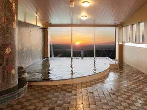 伊香保温泉 旅館 ふくぜん:美しい朝陽を見る事ができる大展望風呂「桃源の湯」