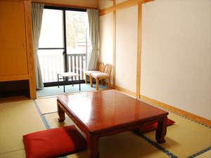 長湯温泉 やすらぎの宿 かどやRe:ご家族やご夫婦でのんびり寛ぐ和室♪階段が少ないのでご年配のお客様も安心してご滞在頂けます。