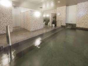 大浴場の利用可能時間は15:00~25:00、6:00~10:00でございます。