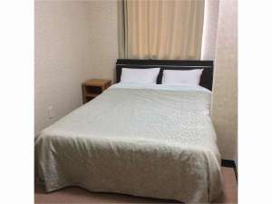 ビジネスホテルHIBARI(ビジネスホテルひばり):ダブルルーム(ダブルベッド×1)