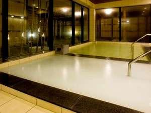別府温泉竹と椿のお宿花べっぷ:白い湯は、美肌効果抜群の高濃度酸素風呂マイクロバブルバス☆
