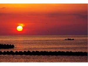 長八の宿 山光荘:【松崎名物】駿河湾に沈む夕陽をご堪能ください。