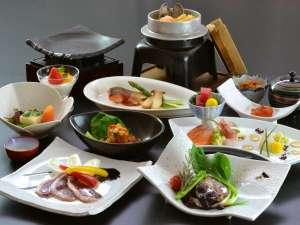 なんぽろ温泉ハート&ハート(南幌温泉):【旬の味覚をゆっくり堪能プラン 4~5月】 皆様ゆっくりとお部屋食で召し上がり下さいませ。
