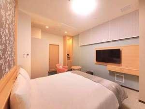 リッチモンドホテル東京目白:【グレイスダブル】180cm幅ベッド | 2017年4月オープンのグランドフロア。バス・トイレ別で広々快適♪