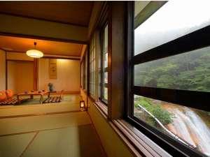 渓流絶景の宿 滑川温泉 福島屋 :2014年8月にリニューアルした客室(川側・2間続き)。お部屋にトイレ・洗面付きで快適にお過ごし頂けます