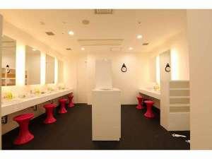 ファーストキャビン博多:◆洗面所は広々使いやすい
