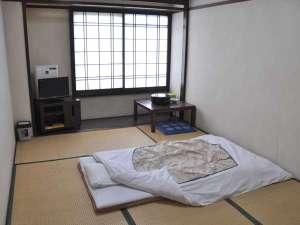 奥むさし旅館:6畳の和室のお部屋です。(1~3名)