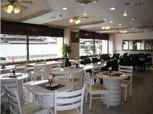 ホテルサンプラスユタカ:レストラン