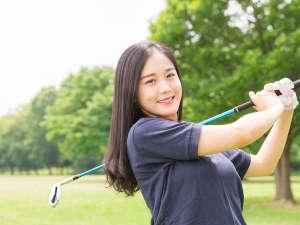 星のテラスもとぶ山里:楽しいリゾートゴルフも滞在して満喫できます。オリオン嵐山ゴルフ倶楽部・ベルビーチゴルフクラブ他