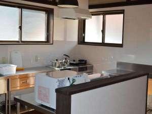 あやべ山の家:自炊用キッチン