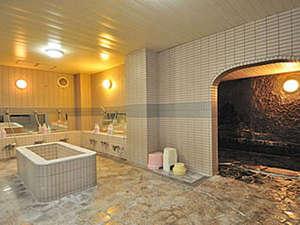 ホテルシェーヌ木島平:*【大浴場】ゆったりとした空間でご入浴を満喫♪