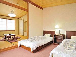 ホテルシェーヌ木島平:*【客室例】和洋室タイプのお部屋♪広々お寛ぎ頂けます。